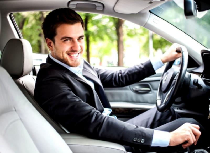 Помощник руководителя с личным автомобилем